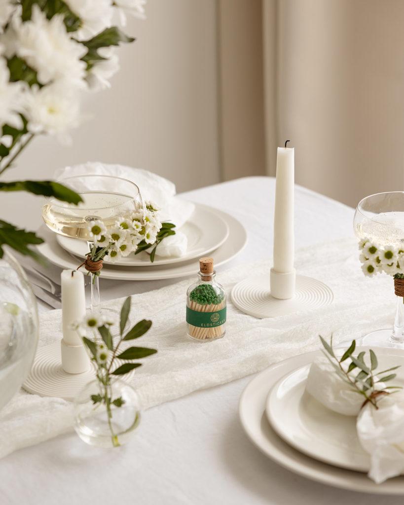 Dukat bord med Rund Klassisk Skog